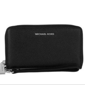NWT! Michael Kors Wallet & Phone Case Wristlet